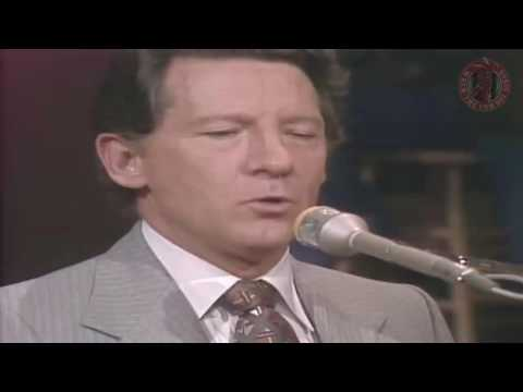 Jerry Lee Lewis - Great Balls Of Fire 1977
