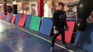 Тренировка по боксу самостоятельно.