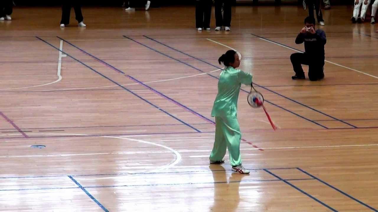 里巧巧_李巧齡個人表演,柔力球飛龍4-YouTube