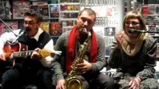 Brunori SAS - Italian Dandy  @ Casa del disco - Concerto in vetrina