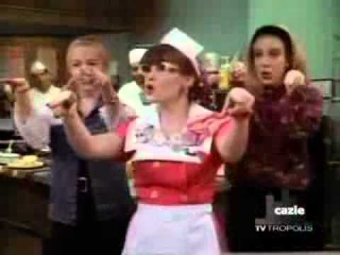 Shannon Doherty - Beverly hills 90210 Funny Clip.