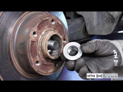 Removal & Fitment Rear Brake Disc With Integrated Bearing