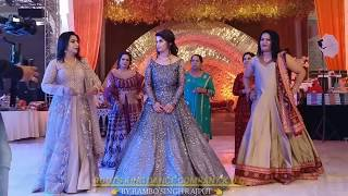 Bride Entry With family || Wedding Sangeet || banno Re banno teri chali Sasuraal ko || Choreographey