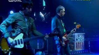 Oasis - Slide Away (Live Wembley 2008) (High Quality video) (HD)