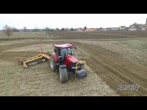 CASE IH OPTUM 300 CVX & PUMA 240 CVX - Rice Fields Leveling 2016