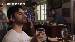 Agustín ebrio y confundido le pega a Antonio terrible piña