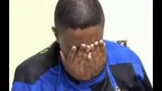Após assaltar mulher na zona norte, jovem é preso, faz xixi nas calças e cai no choro.
