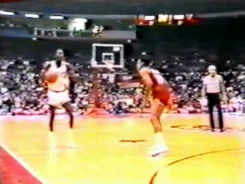 Quintin Dailey (24pts) vs. 76ers (1984)