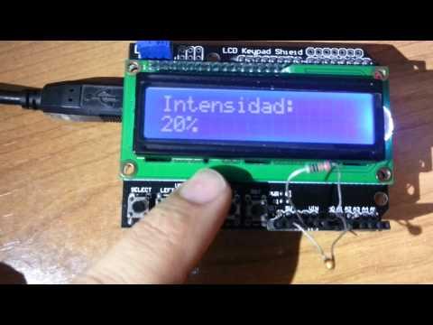 Arduino UNO con Display LCD Keypad Shield y sensor temperatura
