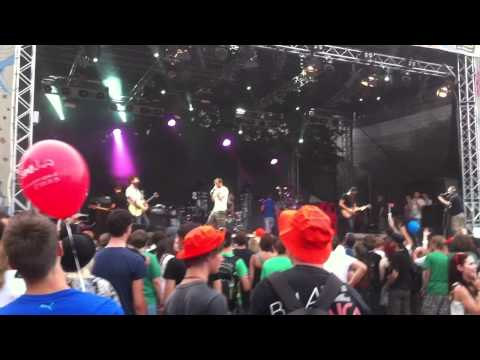 Vanilla Sky - Umbrella (Rihanna Cover) ft. Marcus Smaller live@Donauinselfest 2012