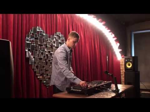 Alexey Union - Live Mix (08 April 2015)