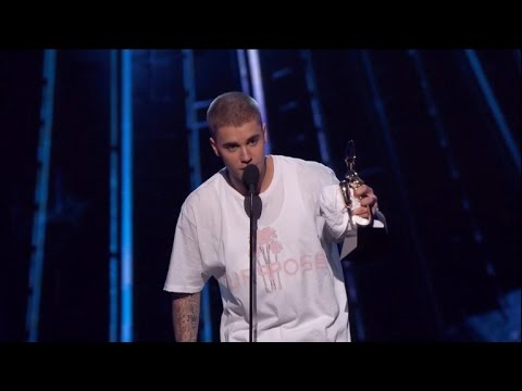Justin Bieber Goes on Instagram Rant Over 'Hollow' Awards Shows