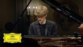 Play Piano Concerto No. 3 in C Minor, Op. 37 I. Allegro con brio