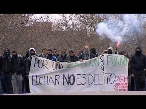 Student protests in Spain as Interior Minister admits to mistakes in policing