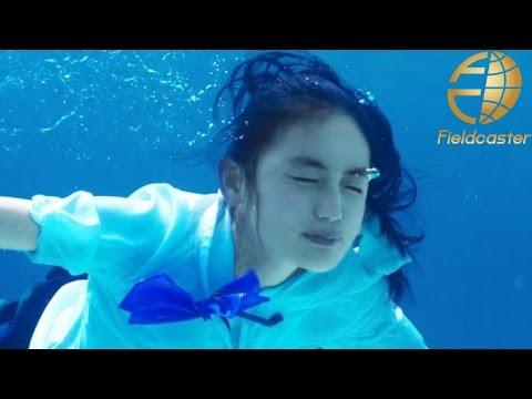 八木莉可子 制服姿で海をス~イスイ まるで人魚!ポカリスエット 新CM「青い海篇」
