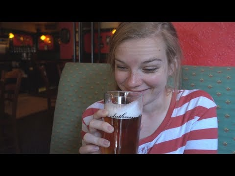 Oluthuone Angleterre British Pub in Helsinki, Finland - Spitfire Gold & Thornbridge Jaipur Cask Ales