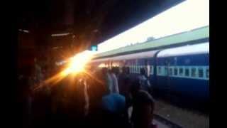 Rani Chennamma Express 16590 arriving at Belgaum platform 1