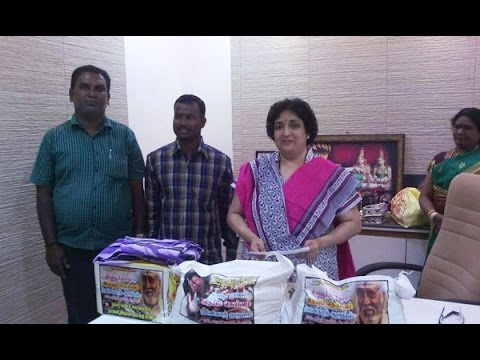 Latha Rajinikanth Helps Chennai Flood Victims - entertamil.com
