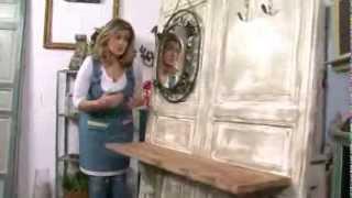 """CON MATERIAL DE DERRIBO: """"Una entrada con dos puertas"""""""