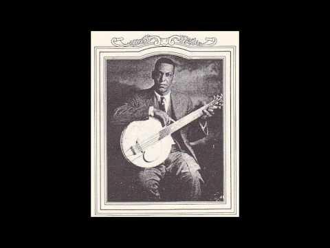 Maxwell Street Blues - Papa Charlie Jackson