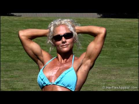 Shannon - Flexing Physique Competitor
