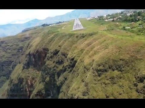 Most Dangerous Landing in Colombia - Cockpit View [HD 1080p]