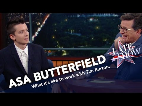 Asa Butterfield Imitates Director Tim Burton