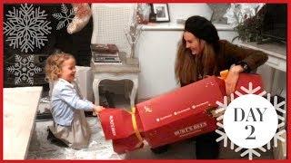 THE BIGGEST CHRISTMAS CRACKER! | Vlogmas #2
