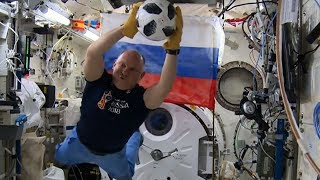 Russian cosmonauts test official ball of World Cup 2018 on the ISS