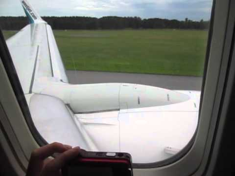 Awesome Landing in Ottawa with a very Fast Brake on WestJet 737-700