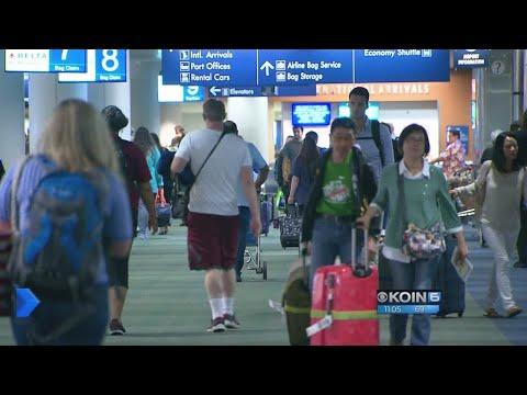Oregon welcomes visitors, major traffic for eclipse