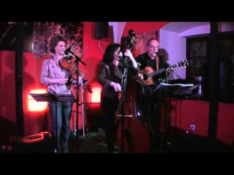 Résistance Acoustique - I Saw Her Standing There (Live)