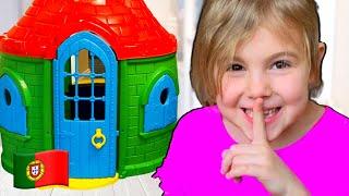 Vania e Mania compra uma nova casa de brinquedos