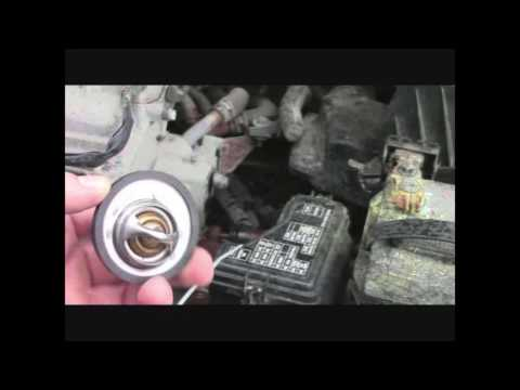 How to replace radiator thermostat '02-'06 Nissan Altima ...