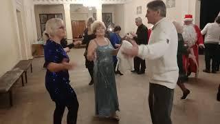 Ивушки вы ивушки.Веселые новогодние танцы в харьковском клубе!!!