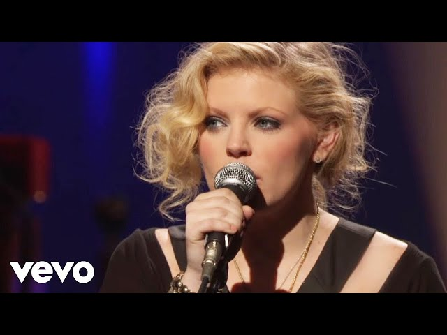 The Chicks - Cowboy Take Me Away (Live at VH1 Storytellers)