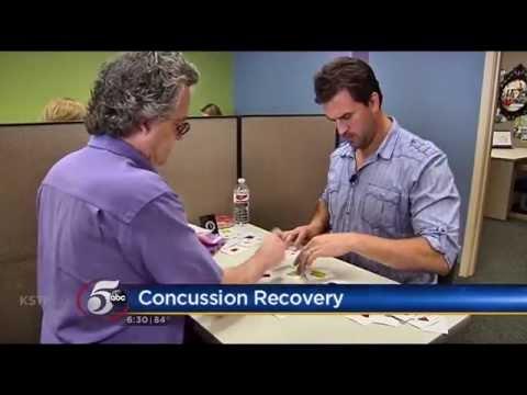 Ben Utecht brain trains with KSTP reporter, Josh Rosenthal