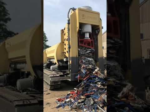 Lefort Trax600 SB660 Crawler cutting light scrap during setup