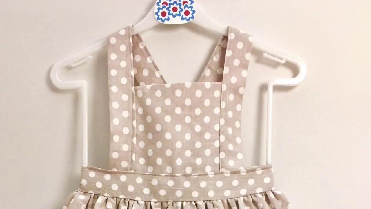 3563095bc Aprender a coser una clásica y fácil falda de peto de niña. - YouTube
