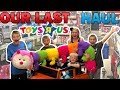 Kids Take Over Toys R Us for the Last Time