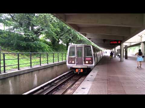 4000 serries railcar at white flint metro station