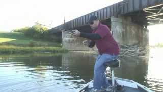 Dayton, Ohio bass fishing on the Great Miami River!