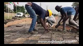 Amazing MUST WATCH Ghanaian uses recycled plastic to manufacture pavement blocks