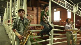 Download lagu MONKEY BOOTS @monkeybootsjkt - Tunggulah Tunggu (Official Video)