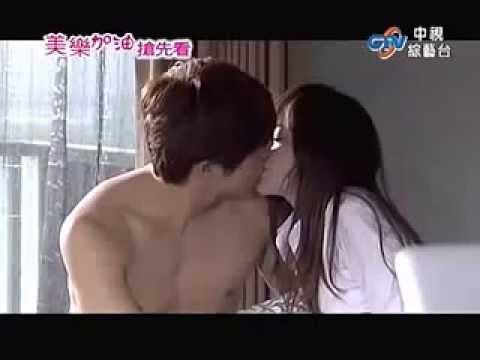 Love Keeps Going - vương tâm lăng + hạ quân tường kiss
