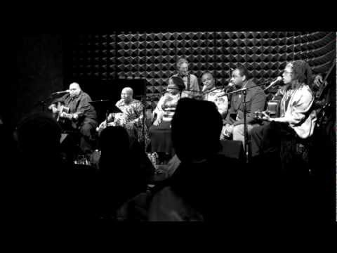 Bernice Johnson Reagon, Toshi Reagon and Big Lovely - Come and Go With Me To That Land