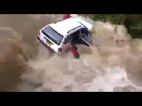PRECISO. INSTANTE EN QUE CAMIONETA ES ARRASADA POR HUAICO