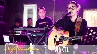 Nufi Wardhana Waktu Music Cover Live at Universitas Bojonegoro