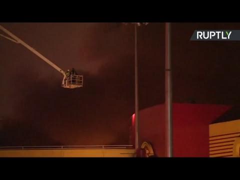 На 65-м километре МКАД горит торговый комплекс  «Синдика» — LIVE