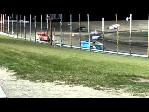 Devils Lake Speedway 10/3/15 A-mod